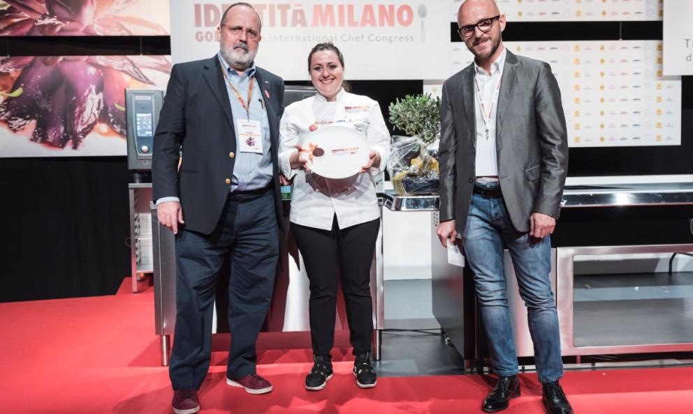 Paolo Marchi, Caterina CeraudoeFrancesco Coppinial momento della premiazione