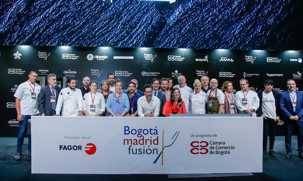 Group photo with the chefs invited to the first edition ofBogotáMadrid Fusion
