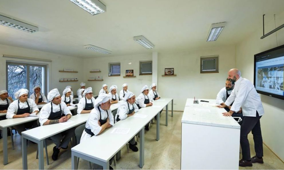 Niko Romito with the students from his Accademia in Casadonna. In 2022 the classrooms will move to the much larger Campus Niko Romito, the lab specialised in research and high education, on Strada Statale 17 in Castel di Sangro (L'Aquila)