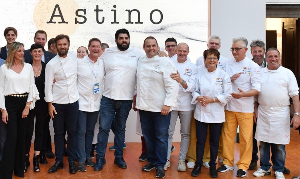 Alcuni degli illustri cuochi che hanno preso parte all'evento East Lombardy ad Astino (Bergamo). Si riconosconoCarlo Cracco,Chicco Cerea,Tonino CannavacciuoloeBobo Cerea(foto e fotogallerydiFabio Toschi)