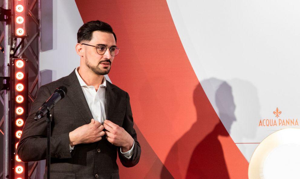 Jacopo Tosi, milanese d'adozione ligure, in forze al ristoranteLangosteria, è il sommelier dell'anno per la Guida a Identità Golose 2021