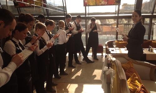 Lo staff del ristorante White Rabbit, teatro del concorso Russian young chef of the year, su cui torneremo domani