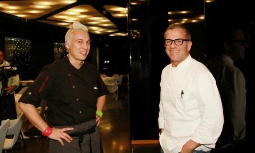 a sinistra andrea mainardi chef di officina cucina a brescia a destra max mariola cuoco del boscolo hotel exedra di milano teatro di una cena