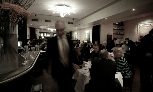 La sala del ristorante PM & Vänner di Växjö, ci