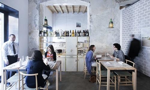 La piccola sala del ristorante 28 Posti, aperto da