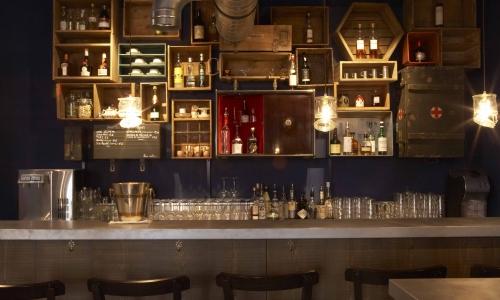 Rivoluzione conserverie for Bancone bar inglese