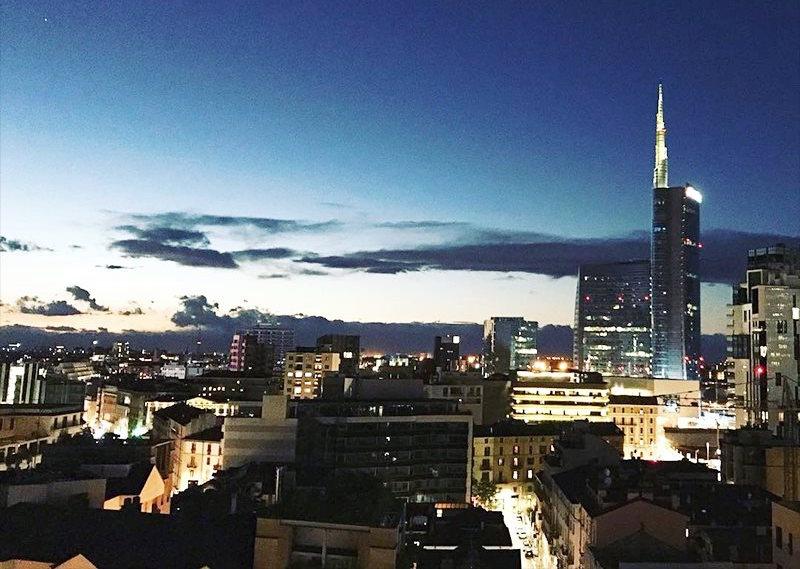 La vista dal cocktail bar Radio Rooftop Milan