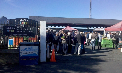 The entrance to Otago's market, where every week around a hundred producers bring the fruit of their work