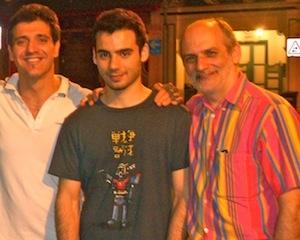 Da destra a sinistra, Corrado Assenza, suo figlio Francesco eRoberto De Franco, chef italiano dello Zafferano di Singapore