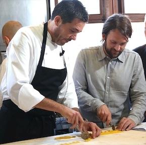 Davide Palluda insegna a René Redzepi a tirare la pasta alla Piemontese