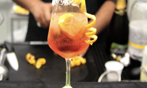 Oli-Spritz cocktail