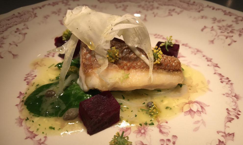 Grilled snapper with spinach, onion, beetroot, fennel and capers, a dish from restaurant Nairod, Carrer d'Aribau 141, Barcelona, tel. +34938089260
