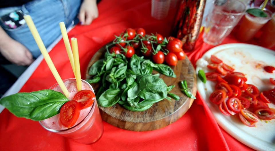 A Corbara (Salerno) mondo scientifico, istituti alberghieri, coltivatori, produttori, associazioni, chef e pizzaioli si sono incontrati per esaltare le qualitàdel pomodoro Corbarino