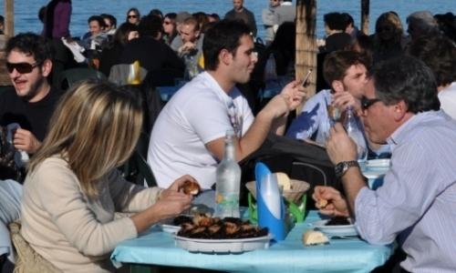Tra febbraio e aprile nel Brindisino a Fasano, in località Forcatella, è possibile gustarli in baracche di stile marinaro