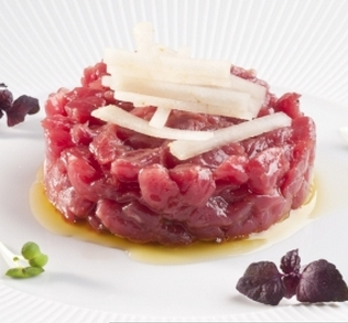 Marco Stabile'ssuper-tartare. Stabile's chef at Ora d'Ariain Florence