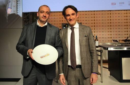<p>Premio <i>Creativit&agrave; in cucina </i>assegnato a <b>Pino Cuttaia</b> del ristorante <i>La Madia</i> di Licata (Agrigento). Premia <b>Piero Gabrieli </b>di <i>Molino Quaglia</i></p>