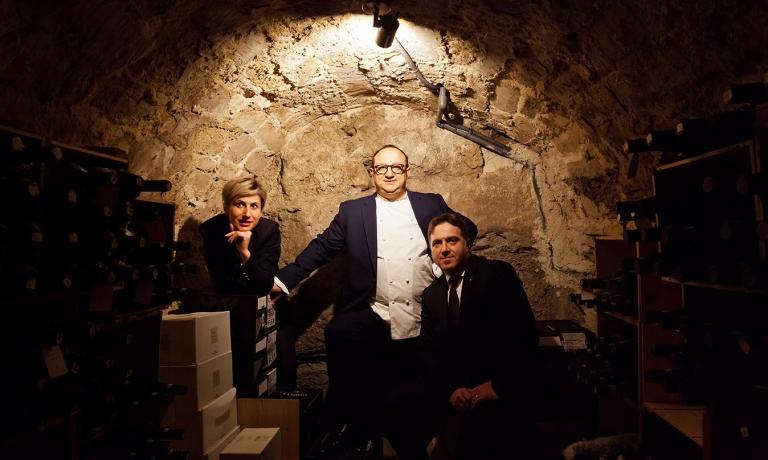 Ciccio Sultano traGabriella Cicero e Antonio Currò: sono i tre protagonisti del Duomodi Ragusa, ristorante con una cantina annoverata tra le più prestigiose del mondo