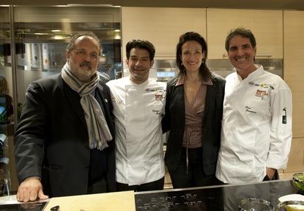 Coi due cuochi, Paolo Marchi e Pavia Rosati, ottima presentatrice delle lezioni in tandem con Alessandra Rotondi