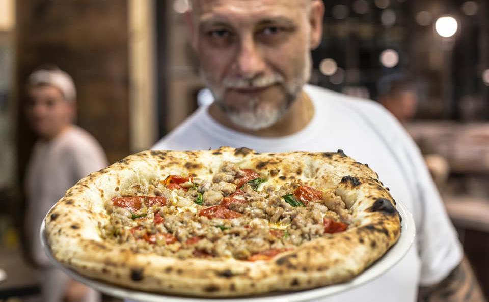 Francesco Martucci, pizzaiolo-patron a I Masanielli di Caserta