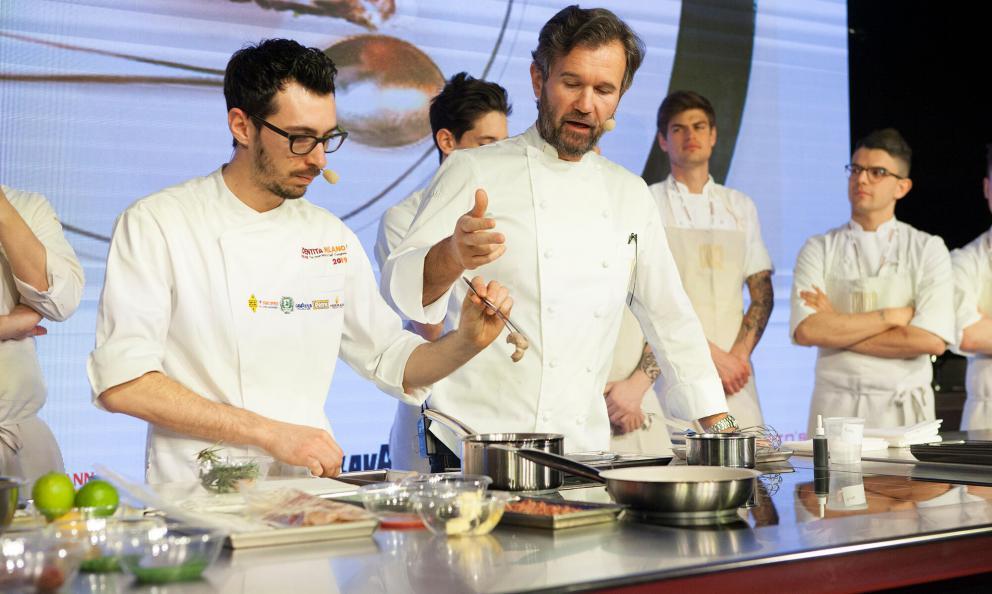 Carlo Craccoand sous chefLuca Sacchi, opening day 2 atIdentità Milano(photoBrambilla/Serrani)