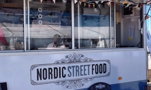 Food trucks, concentrated in the port of the small Swedish peninsula, are among the attractions of the Mat Festival