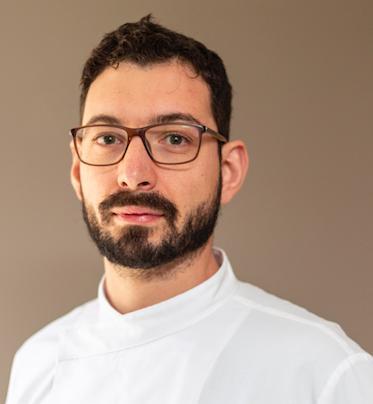 Antonio Biafora, chef del ristorante Hyle di San Giovanni in Fiore (Cosenza),premiatoda Anna Maschio, distillatrice diBonaventura Maschio