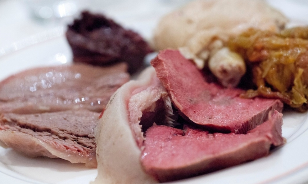 Bollito Misto[Mixed boiled meat] is perhaps not the most photogenic dish you could think of. It certainly is a delicacy a gourmand can hardly resist: in this article, food-lovers can find eight restaurants in Milan that are a sure hit