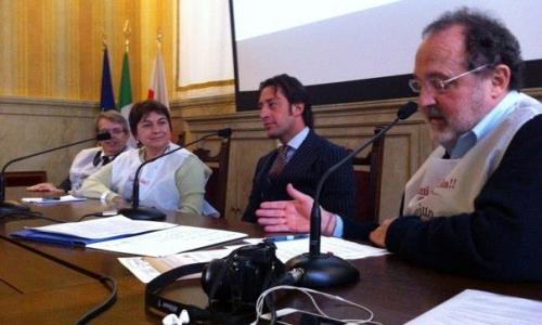 In ordine da sinistra: l'Assessore Franco D'Alfonso, il Vicesindaco Maria Grazia Guida, lo chef Luigi Taglienti e Paolo Marchi