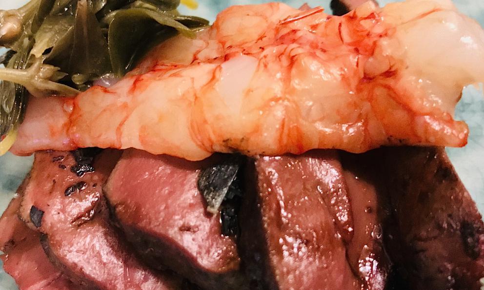 Fegato di vitello, portulata fermentata, gamberi rosa e liquirizia di Enzo di Pasquale al Bistrot 900 a Giulianova in provincia di Teramo