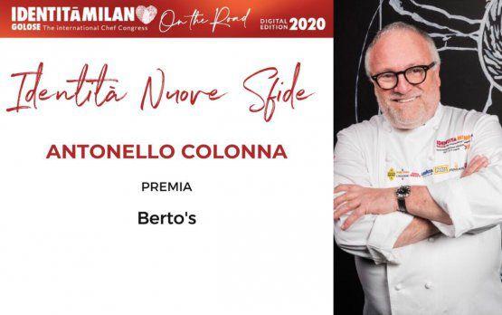 Berto'sconsegna a Antonello Colonna,dell'omonimo ristorantedi Labico (Roma),il premio Identità Nuove Sfide