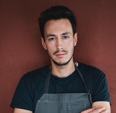 Michele Lazzarini, sous chef di Norbert Niederkofler al ristorante St. Hubertus del Rosa Alpina di San Cassiano (Bolzano), premiatoda Divine Creazioni