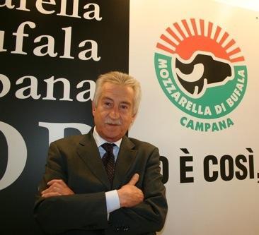Antonio Lucisano, direttore del consorzio della Mozzarella di bufala campana dop(fotowww.alimentando.info)