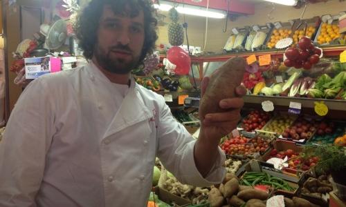 Matias Perdomo al mercato Ticinese