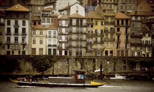 Un'immagine di Oporto o Porto, capoluogo dell'om