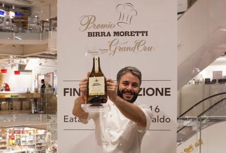 Il vincitore della sesta edizione del Premio Birra Moretti Grand Cru, Giuseppe Lo Iudice, chef-patron insieme adAlessandro Miocchidel ristoranteRetrobottegadi Roma