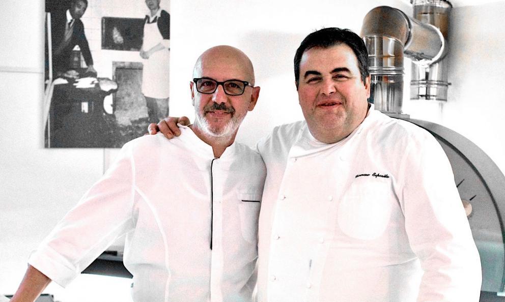 Franco Pepe e Gennaro Esposito posano insieme al termine del terzo appuntamento con Authentica Stellata, al Pepe in Grani di Caiazzo