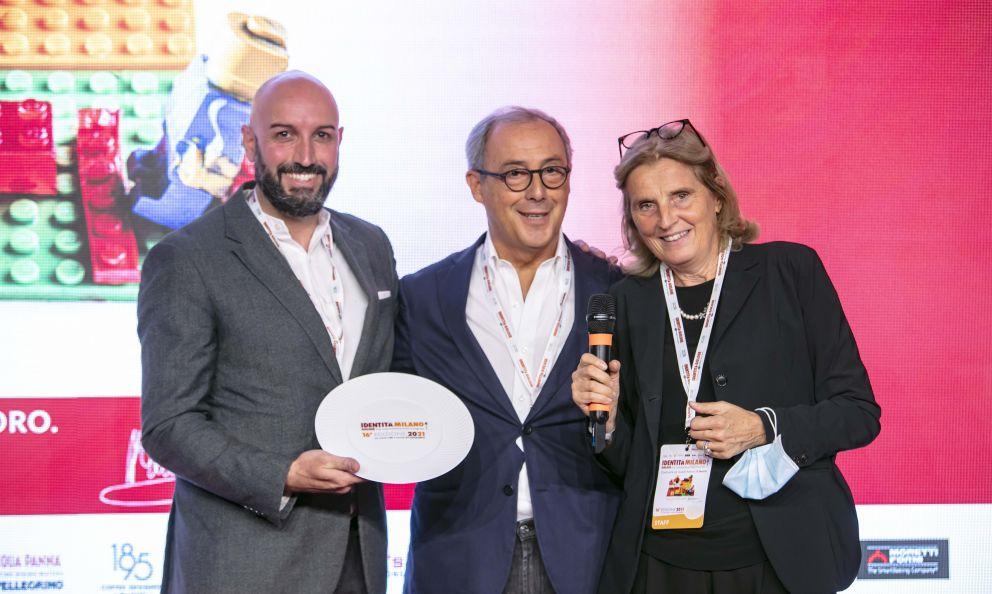 Caraibaconsegna il premio Identità di Sala a Massimo Raugi, del ristorante Villa Crespi di Orta San Giulio (Novara)