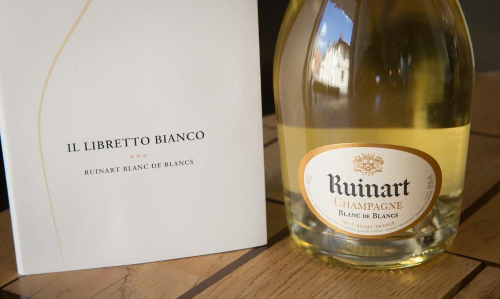 Abbinare cibo e Champagne? Facile, col Libretto Bianco di Ruinart