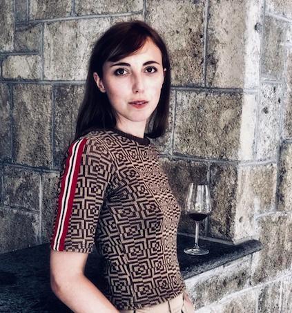 Leila Salimbeni, direttore editoriale di Passione Gourmet,premiata da Cristina Franceschetti e Alessandro Guidi, patron diCaraiba Luxury