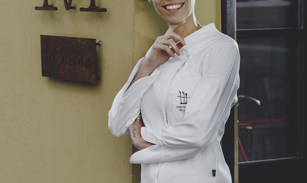 Marta Scalabrini, chef del ristorante Marta in Cucina a Reggio Emilia, premiata da Elisabetta Bracci, Marketing Manager Premuim brand di Acqua Panna S.Pellegrino