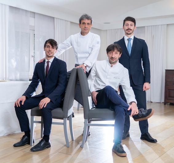 Famiglia Serva del ristorante La Trota di Rivodutri (Rieti),premiati daOlitalia