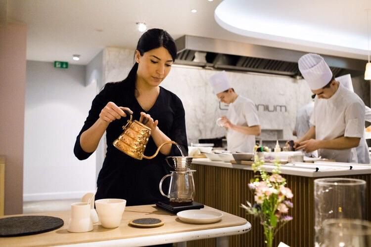 Giulia Caffiero, born in 1992 in Cagliari, has been working atGeraniumin Copenhagen since October 2019. After the Danish lockdown in March, the restaurant -3 Michelin stars, number 5 in theWorld's 50Best– opened again on June 3rd