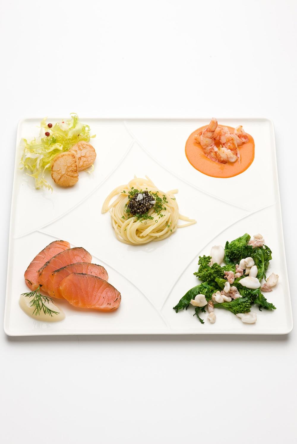 Grande antipasto di pesce for Ricette antipasti di pesce