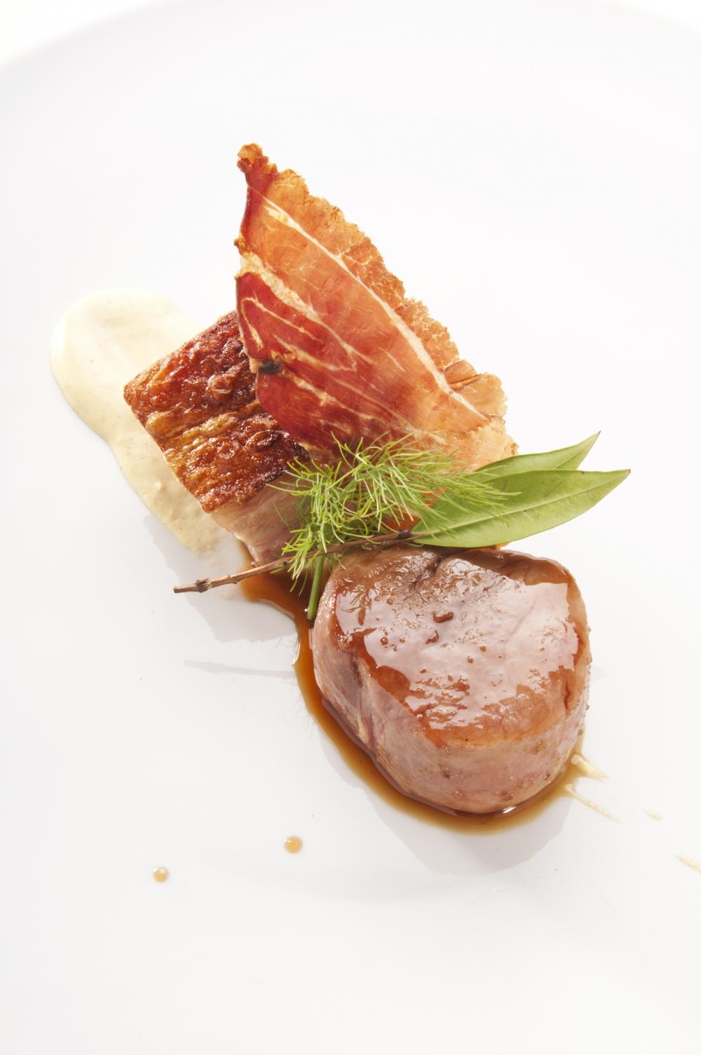 Filetto di maiale laccato al miele di macchia pancetta - Filetto di maiale al porto ...