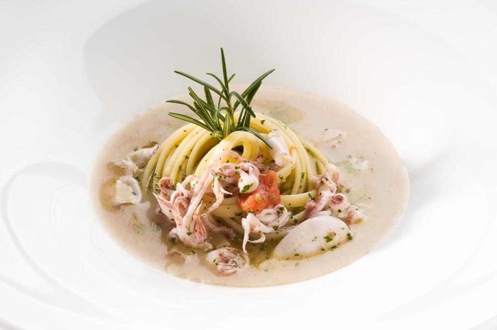 Assez Linguine di Gragnano, calamaretti spillo e salsa al pane di Fobello ON18