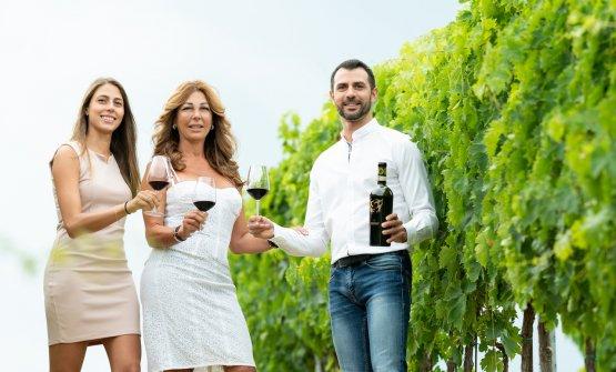 Marianna e Matteo Velenosi insieme alla mamma Ange