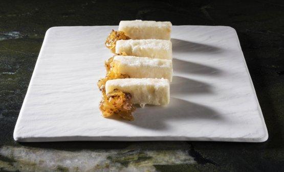 Pecorino in camicia: pecorino semistagionato con mostarda di anguria bianca e senape all'antica(foto Brambilla/Serrani)