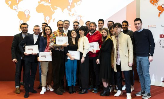 Foto di gruppo delle Giovani Stelle premiate dalla Guida