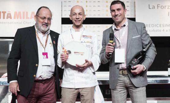 Camanini premiato Cuoco dell'anno tra Paolo Marchi e Gian Luca Uccelli di Contadi Castaldi