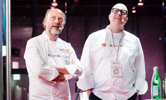 Moreno Cedroni e Paolo Brunelli insieme sul palco di Identità Milano: non è la prima volta che i due si incontrano per unire i propri talenti e la propria fantasia, facendo incontrare il gelato contemporaneo con la cucina d'autore